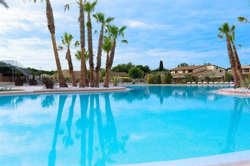 Amazing house with shared pool, vacation rental in Portiragnes