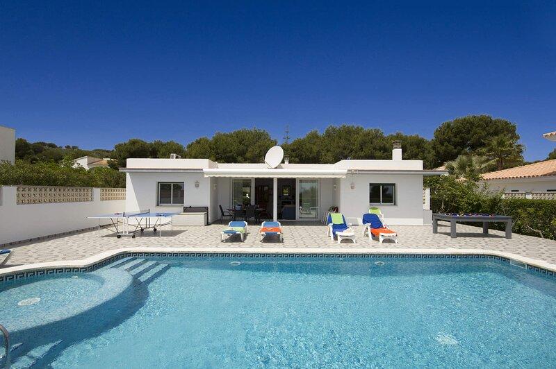 Villa Pepe, location de vacances à Es Grau