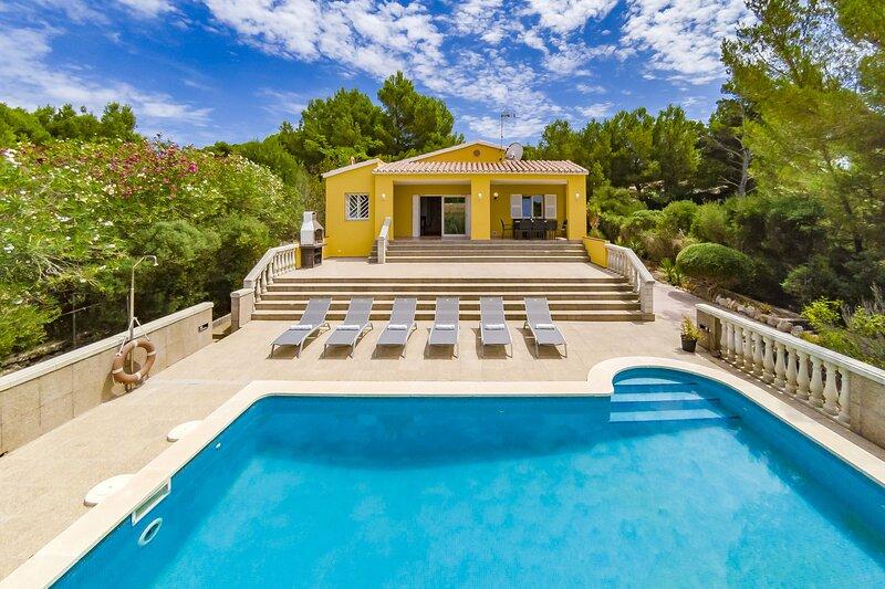 Villa Novas Park, location de vacances à Playas de Fornells