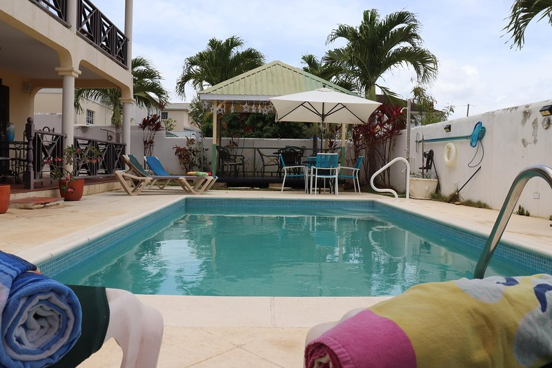 Hibiscus 3-Bed Suite at Sungold House Barbados, holiday rental in Six Mens