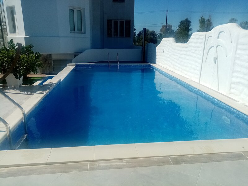 Maria's little house, holiday rental in Platanias