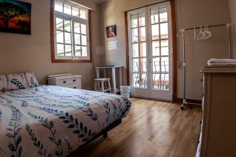 Perfectas habitaciones privadas, holiday rental in Vilaboa