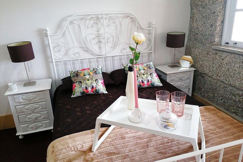 Holcus Yellow Studio, Guimaraes, Braga !New!, alquiler de vacaciones en Felgueiras