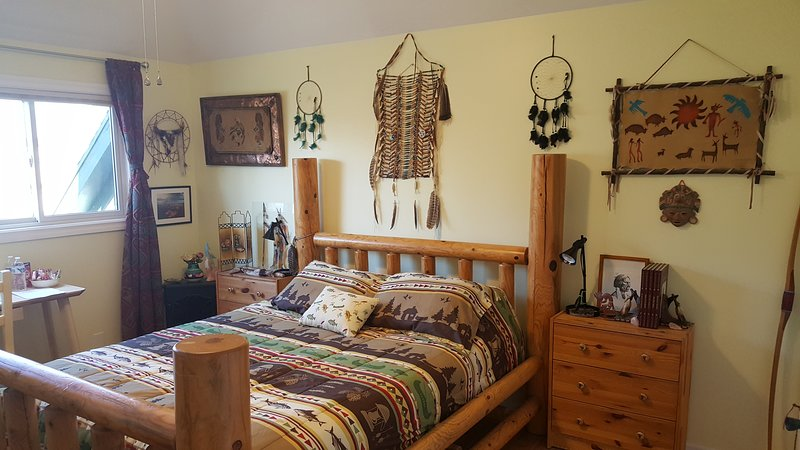 Native American Indian Private Rm Queen,Free: Bfast/Gym/Sauna*,20min2 slopes, location de vacances à Midvale