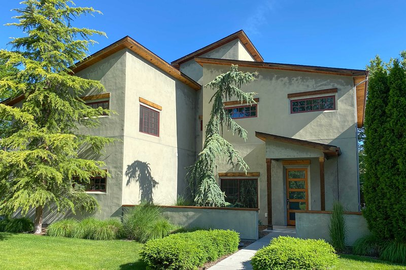 Boise Vacation Rental | 4BR | 2.5BA | 3 Stories | 2,500 Sq Ft