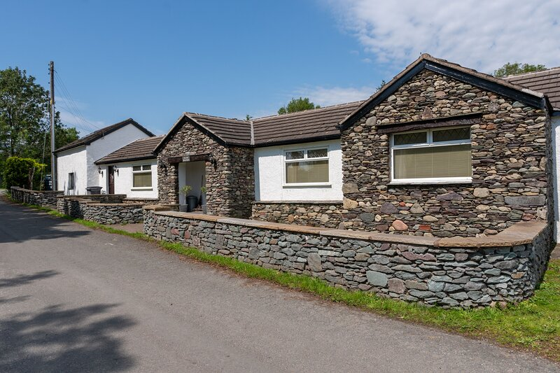 The Old Pump House - Detached 3-bedroom bungalow with Hot Tub near Millom, vacation rental in Bootle