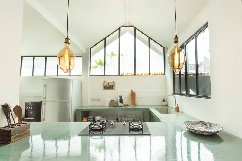 STYLISH MODERN ARTLOFT, holiday rental in Tanah Lot