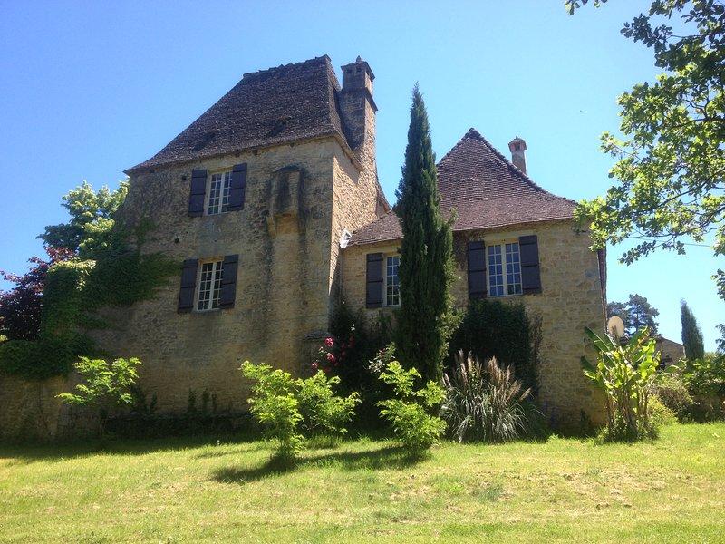 Périgord noir - Lascaux - Manoir avec 4 chambres et piscine, holiday rental in La Bachellerie