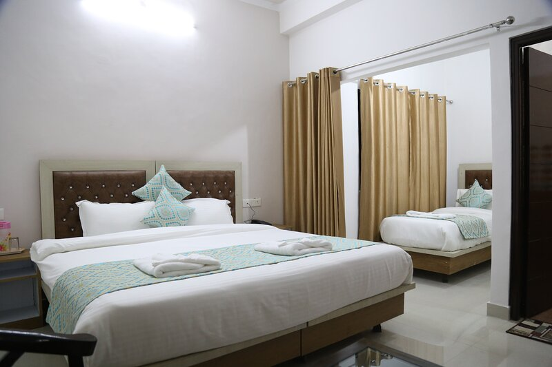 Yog Tapovan Apartments, holiday rental in Tapovan