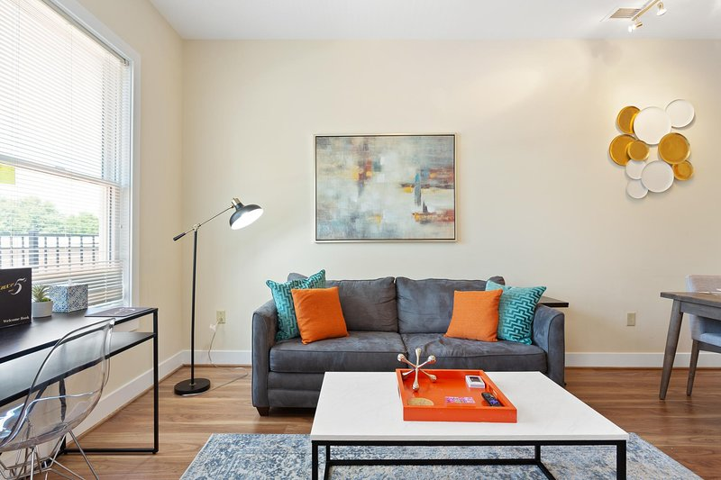 ComfortableOld Town AlexandriaPatioNear DCA, vacation rental in Alexandria