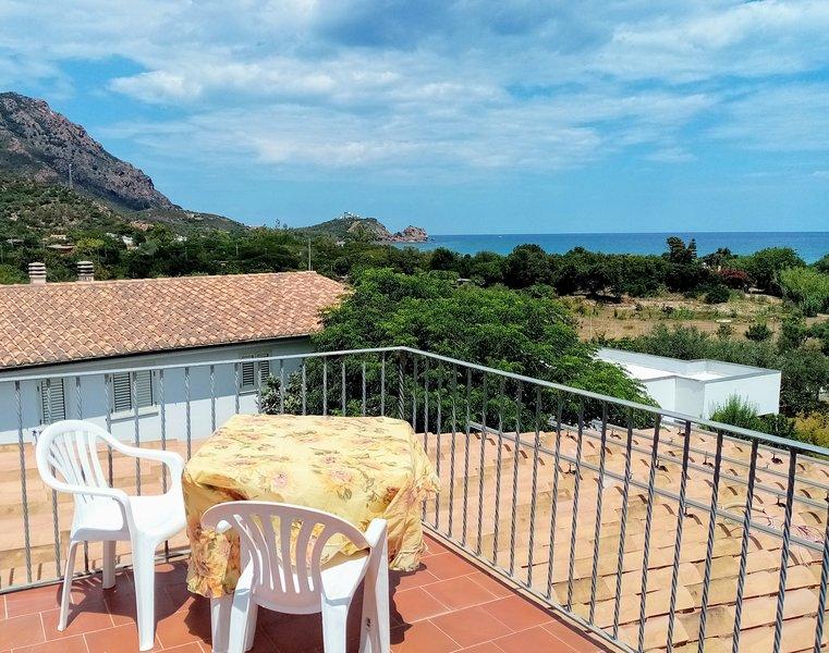 1 P da 6 vista mare con terrazza superior a 3 Min dal Mare VillaLoddo1 p2660, casa vacanza a Tertenia