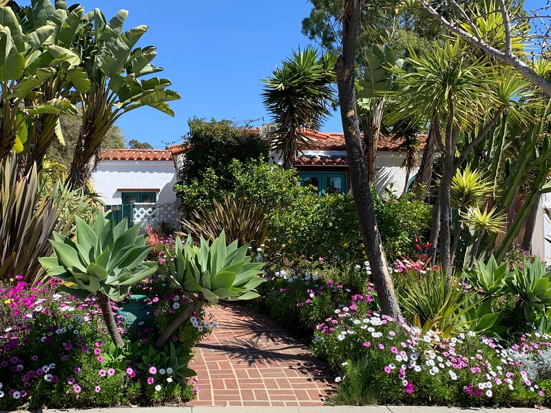 Luxury Santa Monica 3 bed/3bath Spanish Home, holiday rental in Santa Monica