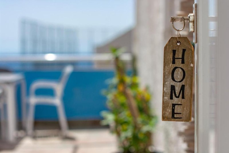 Homelike - SECURE and HYGIENIZED, holiday rental in Las Caletillas