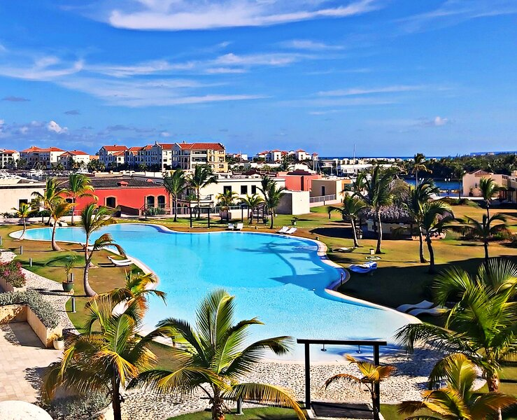 EXCLUSIVE POOL VIEW APARTMENT, FISHING LODGE, CAP CANA., holiday rental in Cap Cana