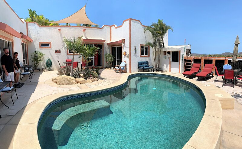 CABO'S LITTLE SECRET CONDOS are 5 condo units only a short walk to all of Cabo, holiday rental in Cabo San Lucas