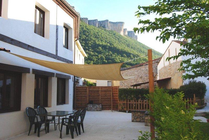 Casa Zologorri, en Ganuza, Navarra, vacation rental in Urdiain