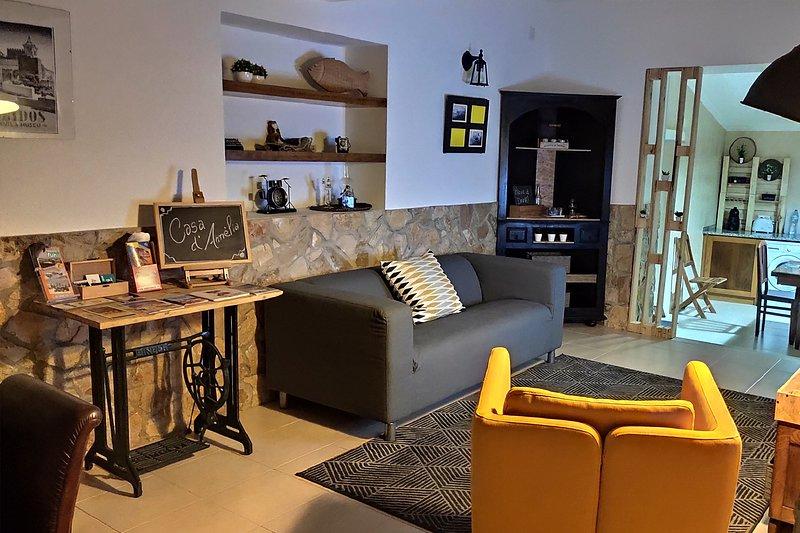 Pinus Orange Villa, Vau, Óbidos !New!, holiday rental in Vau