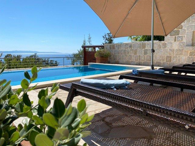 Dalmatian stone house, alquiler de vacaciones en Podgora