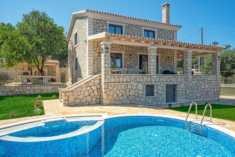 Daphne Villa 2, holiday rental in Astrakeri
