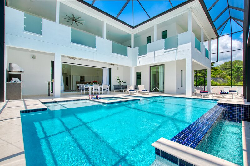 Stunning new 2-Story Villa. New Construction in gorgeous location, location de vacances à Iona