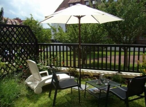 Amazing studio with garden & Wifi, vacation rental in Bourgeauville