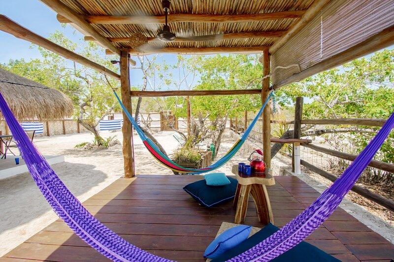 Sunrise  Depto Vista laguna-2 Blocks away from the beach !, holiday rental in Chiquila
