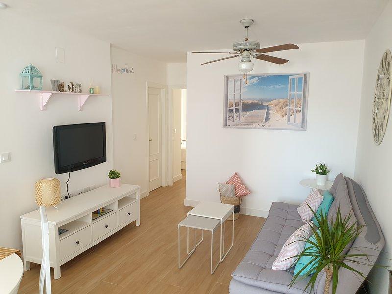 Mediterráneamente soleado, disfruta tus vacaciones Gran Alacant, holiday rental in Monte Faro