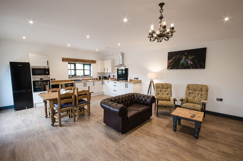 The Stables - A luxury one bedroom, pet-friendly cottage, holiday rental in Penhallow