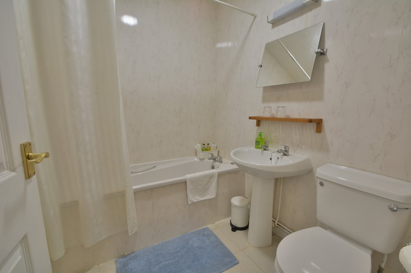 Japonica bathroom