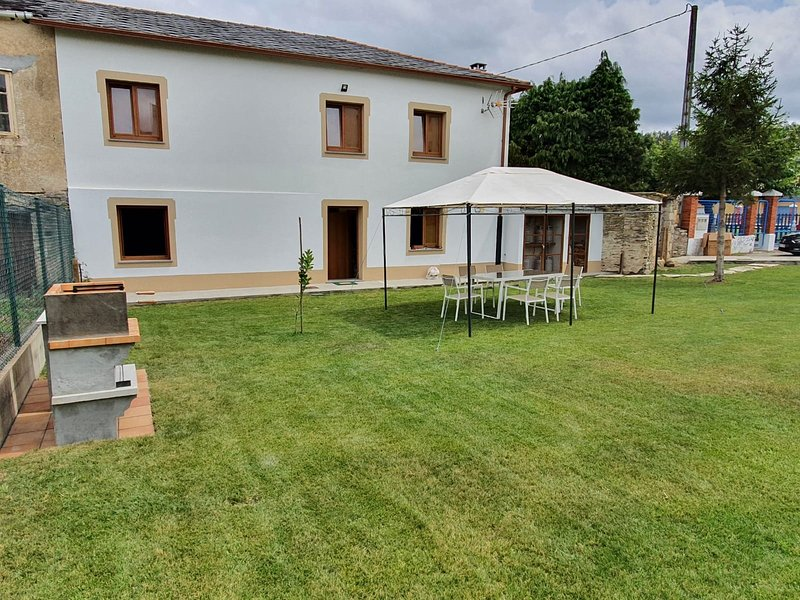 Casa Muiño dos Frades, Aquiler vacacional, holiday rental in Lourenza