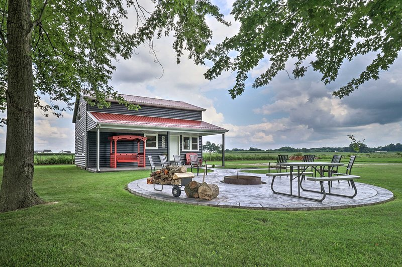 Cozy 'Haven of Rest' Home w/ Amish Country Views!, holiday rental in St. Joseph County