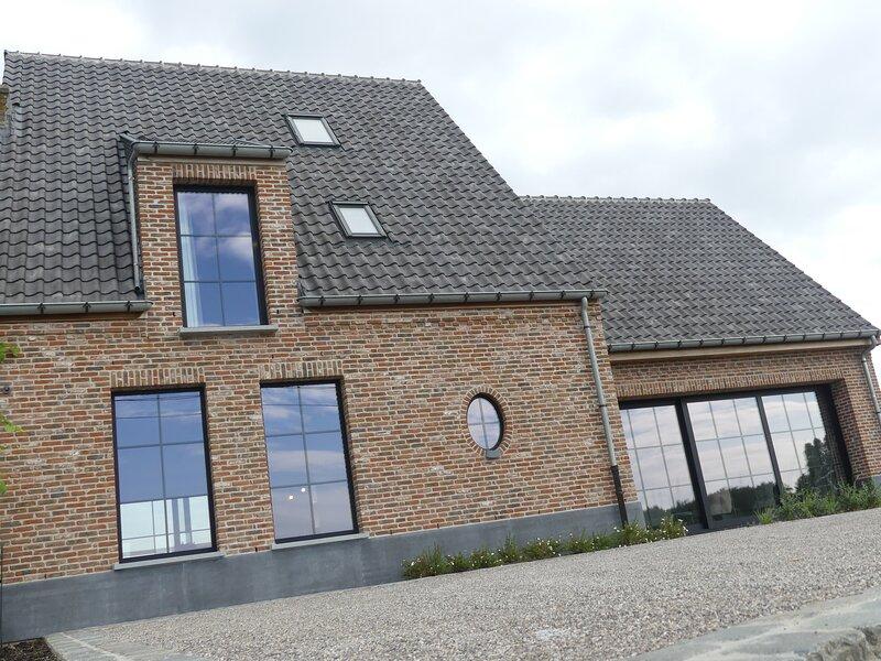 Vakantiewoning Amico met binnenzwembad, casa vacanza a Torhout