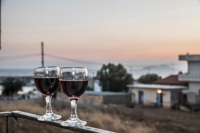 Sofie's Port View Apartment, aluguéis de temporada em Agia Paraskevi