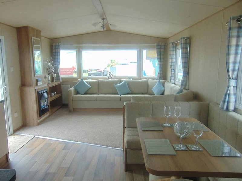 Private Caravan On Golden Sands Holiday Park, North Wales, alquiler de vacaciones en Abergele