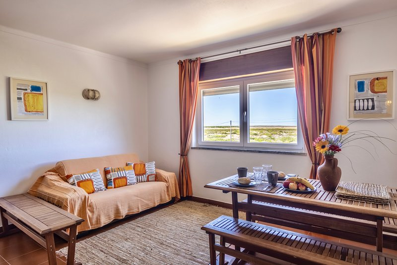 Appartement Beliche 'Branco' avec terrasse et patio vue mer - Wi-Fi, vakantiewoning in Sagres