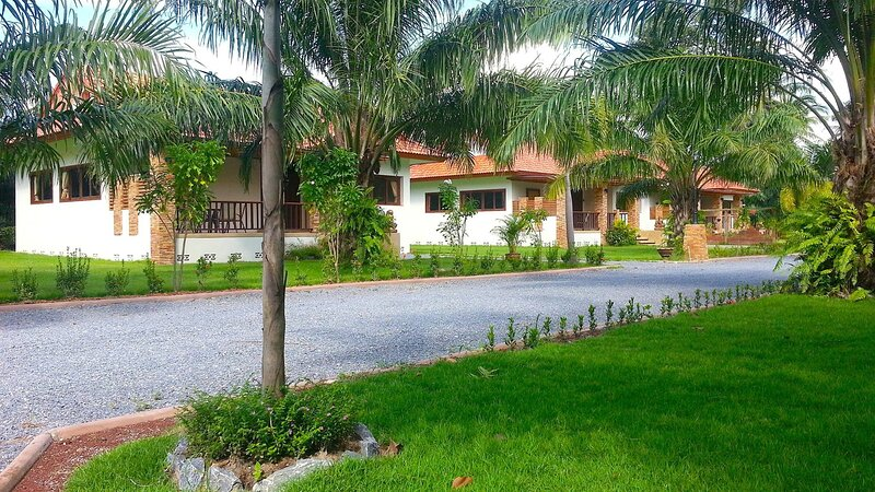 1 bedroom house with big living room and western kitchen, holiday rental in Nakhon Si Thammarat Province