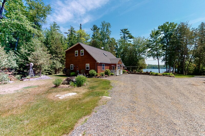 New listing! Dog-friendly lakefront gem w/ private dock, kayaks, & horseshoe pit, holiday rental in Monson