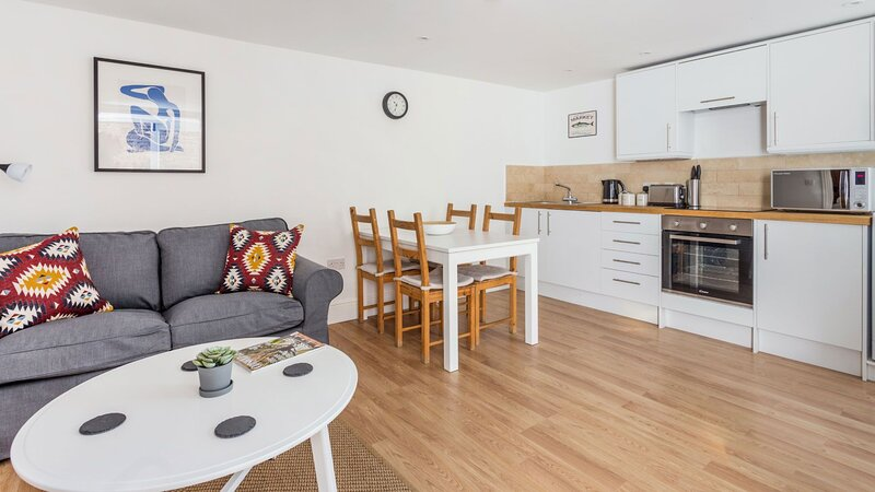 Stylish Cotswold Apartment in Central Burford, location de vacances à Holwell