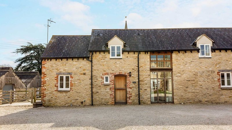 Vintage Family Barn Conversion near Faringdon, holiday rental in West Hanney