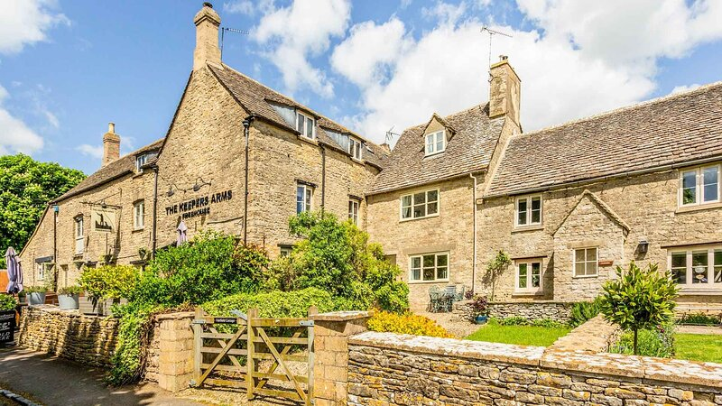Quintessential Cotswold Cottage near Cirencester, vacation rental in Fairford