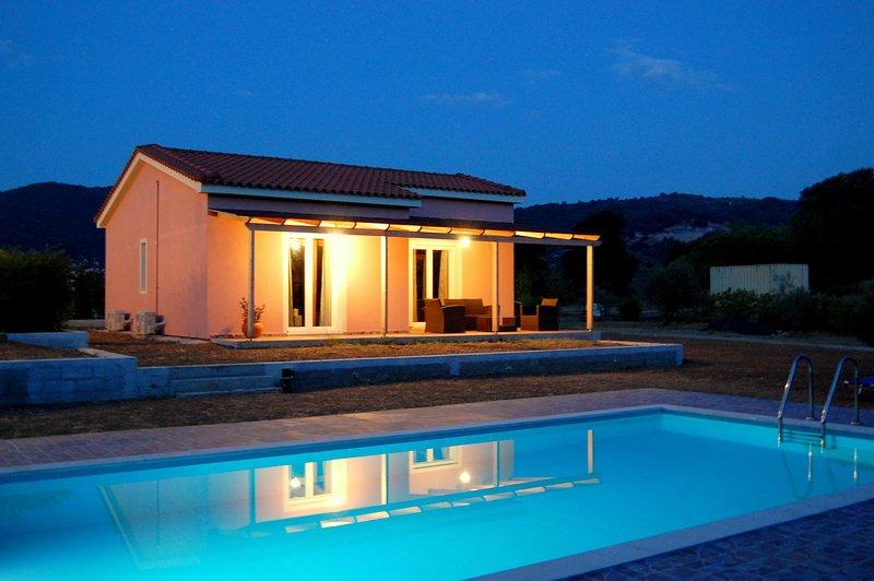 Blue Lagoon Villa Elegant, holiday rental in Skala