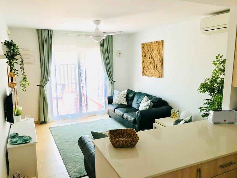 3 Bed Luxury Apartment, alquiler de vacaciones en Mula
