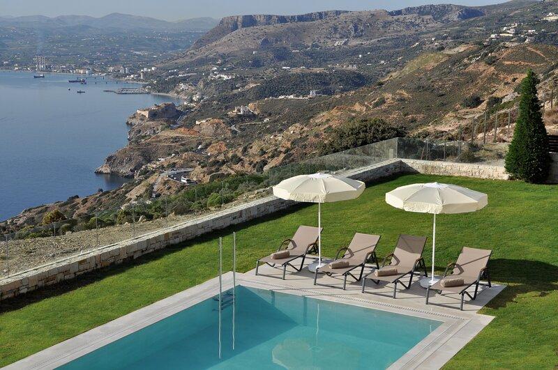 Ocean Villas Complex, location de vacances à Plaitis