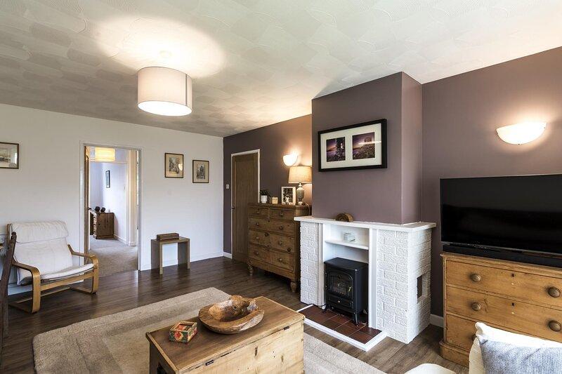 Meadow View - 3 Bedroom - Jameston, holiday rental in Manorbier