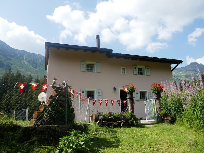 Felice (OLV220), holiday rental in Airolo