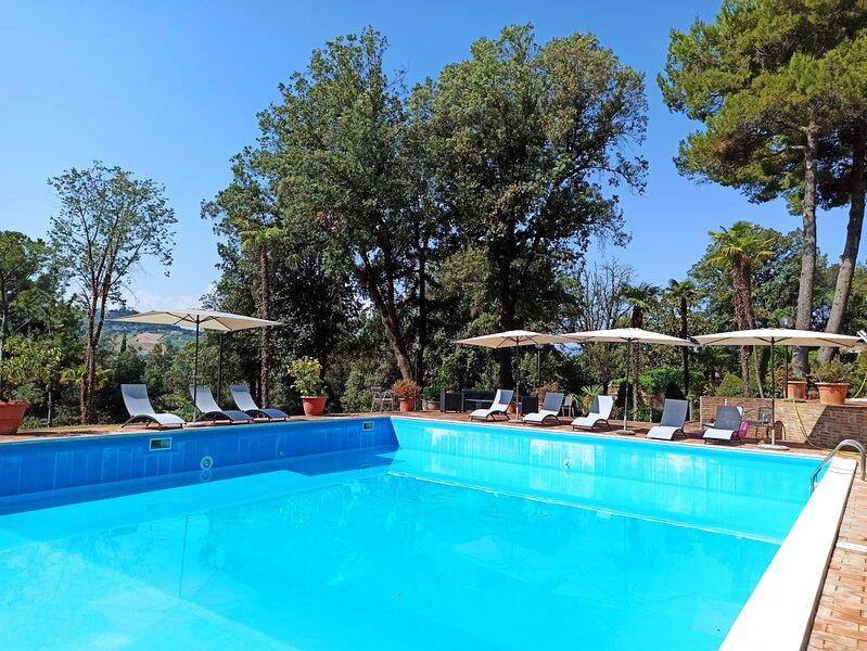 appartamento per 6 persone in agriturismo di Villa Luzi, location de vacances à Appignano
