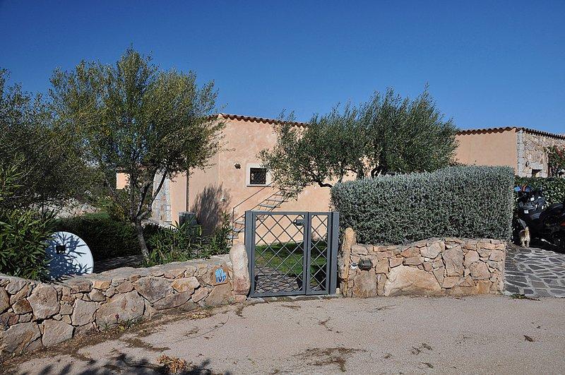Villa Duca, Partial Sea View, casa vacanza a Capo Coda Cavallo