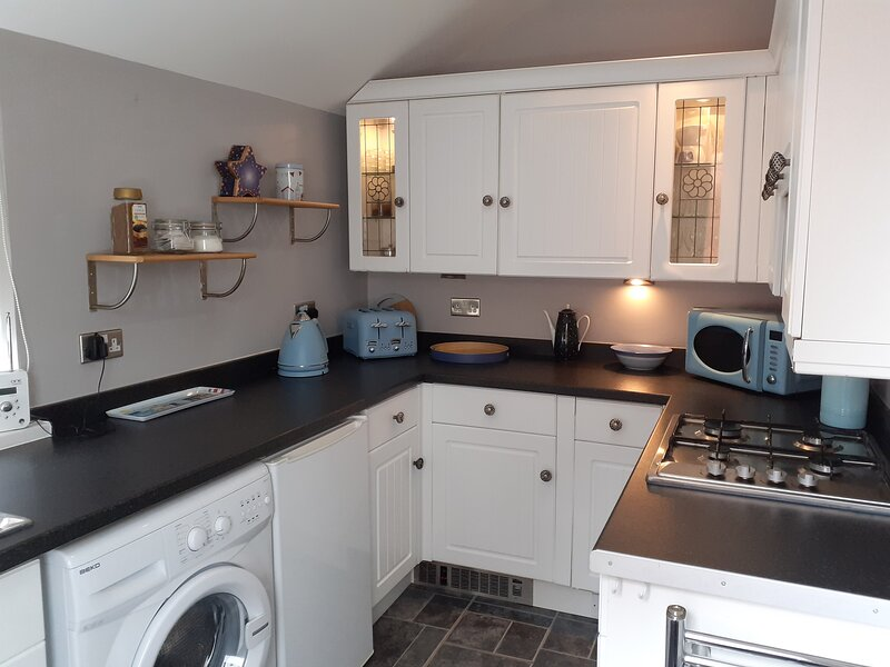 The Bays, 150m to Seafront, ample offroad parking, vacation rental in Bridlington