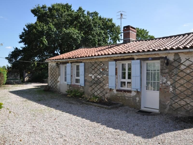 MAISON DE BOURG POUR 4 PERSONNES - ANGLES, vacation rental in Angles
