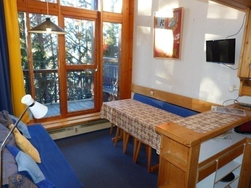 Duplex pour 5 personnes situé dans le village de Charmettoger à Arc 1800, holiday rental in Peisey-Vallandry